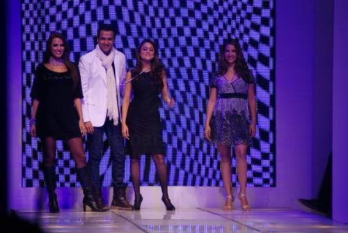 Rohit Roy, Amrita Arora, Kim Sharma and Neha Dhupia sizzle at Coutons Fashion Show on 29th Jan 2008  shown to user