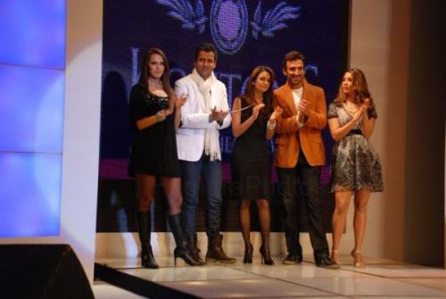 Rohit Roy, Rahul Dev, Amrita Arora, Kim Sharma and Neha Dhupia sizzle at Coutons Fashion Show on 29th Jan 2008  shown to user